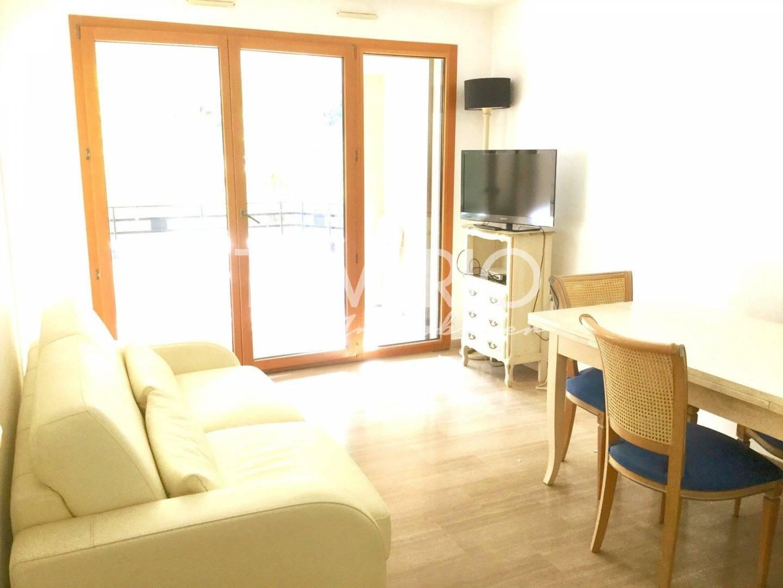 Living-room Natural light Wooden floor